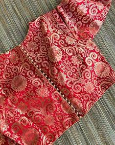 For blue kanjeevaram – Blouse 2 Brocade Blouse Designs, Saree Blouse Neck Designs, Stylish Blouse Design, Fancy Blouse Designs, Designer Blouse Patterns, Brocade Blouses, Blouses For Sarees, Design Patterns, Costume