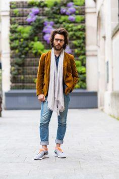 Paris street style: scarves. Hugo Vince in Zara.