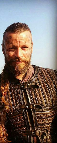 Vikings Show, Vikings Time, Vikings Tv Series, Viking Garb, Viking Men, Viking Warrior, Valhalla Viking, Vikings Travis Fimmel, King Ragnar