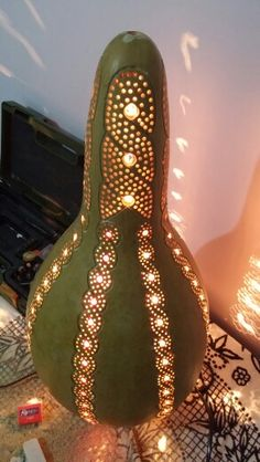 Diy And Crafts, Arts And Crafts, Pyrography Patterns, Gourd Lamp, Plastic Spoons, Geometric Designs, Dremel, Lamp Design, Gourds