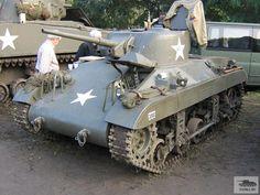 M22 Locust. De tank werd vanaf einde 1943 op kleine schaal, en met weinig succes, gebruikt door het 6th Airborne Armoured Reconnaissance Regiment. Na de WO2 werd de Locust gebruikt door België en Egypte. Egypte zette de tanks in in de oorlog tegen Israël. Israël wist enkele tanks te veroveren en 3 daarvan werden ingezet door hun eigen troepen, tot 1952.