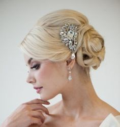 This is one of many side styles that are trending at the moment!