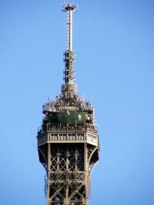 eiffel-tower-top-image