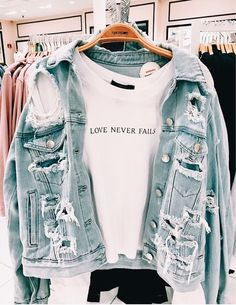 66 casual outfits for high school best outfits 57 Outfits Casual, Teen Fashion Outfits, Fall Outfits, Summer Outfits, Fashion Clothes, Casual Jeans Outfit Summer, Preteen Fashion, Jeans Fashion, Swag Outfits