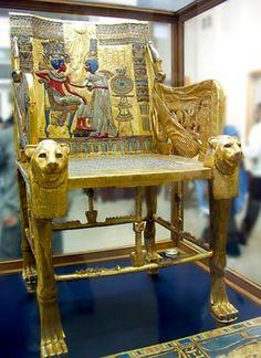 Vergulde troon van de farao.