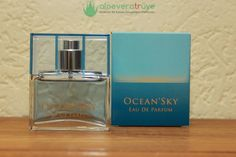 LR Ocean Sky Parfüm Ocean Sky parfümünün kokusunu ve etkisini merak ediyor olabilirsiniz. O halde sizin de başını döndürecek olan bir kokudan yani Ocean Sky parfümden bahsedelim ve en kısa zamanda mutlaka kullanmanızı önerelim. Ocean Sky parfüm kokusu için okyanus ferahlığı tanımını yapabiliriz. Sizler sanki deniz kenarından bir esinti alıyormuş gibi, harika geçirdiğiniz bir günün