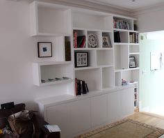 "Contemporary bookcase ""crazy paving like"""