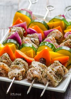 Greek Style Chicken Kebabs Greek Style Chicken, Greek Chicken Kabobs, Chicken Kebab, Grilled Chicken, Kebab Recipes, Paleo Recipes, Cooking Recipes, Clean Eating Recipes, Healthy Eating