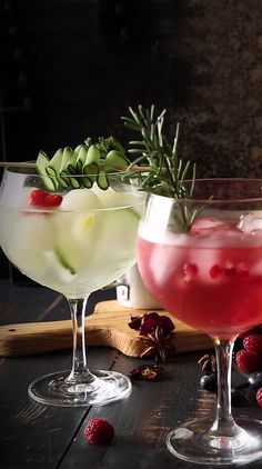 Bebida Gin, Fresco, Gin And Tonic, Yummy Cakes, Tequila, Food Photo, Panna Cotta, Beverages, Food And Drink