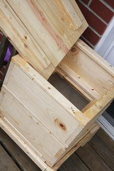 Ana White   Build a Worm Compost Bin   Free and Easy DIY Project and Furniture Plans
