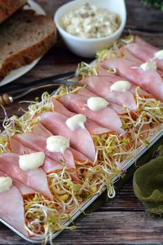 Túrós-szardellás sonkatekercs recept - Kifőztük, online gasztromagazin Tuna, Sausage, Fish, Meat, Sausages, Pisces, Atlantic Bluefin Tuna, Chinese Sausage