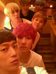 B2ST takes group photo for Hyunseung's birthday