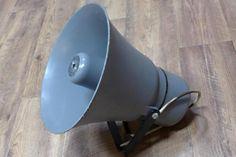 Biete eine Lautsprecher der Marke Elektris - Elektroimpex Budapest. Der Lautsprecher ist 32 cm...,Druckkammerlautsprecher, Lautsprecher in Berlin - Friedrichshain