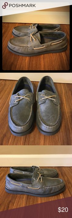 8.5 M Sperry Top Sider Deck Shoe Soft leather! Worn maybe twice. No visible wear on the soles. Excellent condition. Sperry Top-Sider Shoes Boat Shoes