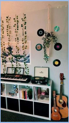20 Charming and Cute Dorm Room Decorating Ideas Dream Room Ideas Charming cute decorating dorm dormroomdecor dormroomdecorati Ideas Room Cute Room Ideas, Cute Room Decor, Teen Room Decor, Tumblr Room Decor, Adult Bedroom Decor, Teen Room Furniture, Paper Room Decor, Study Room Decor, Bad Room Ideas