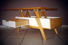 Fabrication d'une table basse en bois massif et d'inspiration scandinave. Elle est équipé d'un plateau relevable et de 2 grands tiroirs. Etapes de fabricatio...