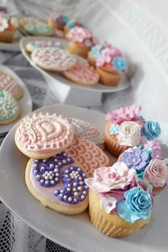 Mini Cupcakes, Cheesecake, Easter, Baking, Desserts, Food, Tailgate Desserts, Meal, Patisserie