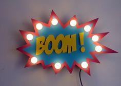 Superbe enseigne en bois lumineuse Just a Spark personnalisable - bulle comics