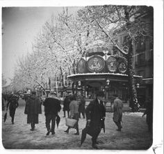 Quiosc de Canaletes nevat, El :: Fons fotogràfic Salvany (Biblioteca de Catalunya)