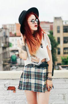 Top – She Inside Skirt -vintage/ similar Shoes – vintage