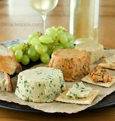 Vegan Trio of Almond Cheese // The best way to use almonds in a savory recipe is probably by making these 3 cheese variations. Must have with white wine! | The Green Loot #vegan #dairyfree