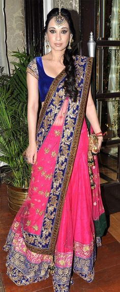 Manish Malhotra...check out the color combo...!! i think i'm gonna try this out soon...