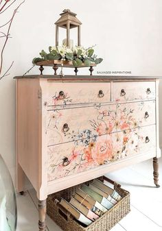 A roundup of 18 DIY Dresser Makeovers. These dresser makeovers will inspire you to complete your next furniture makeover today! Diy Dresser Makeover, Furniture Makeover, Diy Furniture, Bedroom Furniture, Dresser Makeovers, White Furniture, Dream Furniture, Furniture Websites, Inexpensive Furniture
