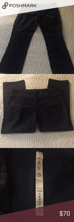 🎀Lululemon Athletica Navy Crop Pants Size 12 Description: -Brand: Lululemon -Color: Navy -Size:12  Designed in Vancouver.  Made in China. lululemon athletica Pants Ankle & Cropped