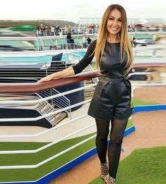 Image may contain: one or more people and people standing Leather Dresses, Leather Outfits, Latex Dress, Leather Shorts, Rock, Plein Air, Outfit Of The Day, High Heels, Sporty