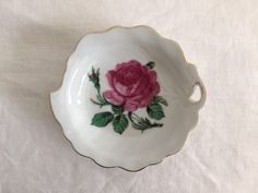 Vintage rose trinket dish Pink Shabby Chic   Etsy Grace Home, Shabby Chic Jewelry, Vintage Roses, Pie Dish, Flower Decorations, Vintage Decor, Pretty In Pink, Tea Cups, Gifts For Her