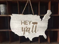 Hey Y'All USA - DIY Home Decor wood pallet projects featuring Jillibean Soup Mix the Media wood plank surfaces