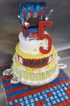 Need this cake!