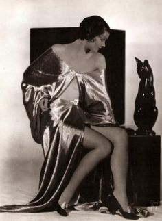 Myrna Loy, 1920s. | More on the myLusciousLife blog: www.mylusciouslife.com