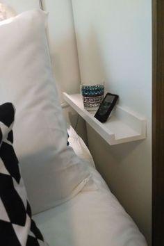 Small nightstand designs that are . - Small nightstand designs that fit in tiny bedrooms # Small spaces - Room, Small Spaces, Home Bedroom, Bedroom Storage, Tiny Bedroom, Bedroom Diy, Organization Hacks Bedroom, Home Decor, Small Nightstand