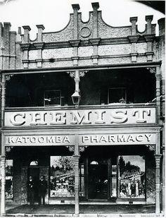 Medlicott's Katoomba Pharmacy c1910                                             E E Medlicott, MPS, established 1897, Main Street Kato...