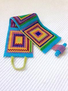 Peyote Beading, Beadwork, Beaded Jewelry Patterns, Peyote Patterns, Peyote Stitch, Beads, Cubes, Unique Jewelry, Yarn Crafts