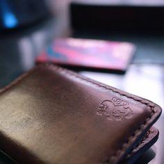Personalized mens wallet Wallets for men Mens wallet Leather Wallet Pattern, Slim Leather Wallet, Slim Wallet, Leather Men, Men Wallet, Leather Jackets, Brown Leather, Custom Mens Wallets, Mens Travel Bag
