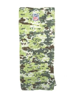 Kerry Wynn New York Giants Rookie Game Issued   Signed NFL Salute to  Service Wilson Towel 7dc7d97be
