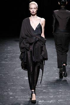 Haider Ackermann Spring 2013 Ready-to-Wear Fashion Show - Irina Kravchenko