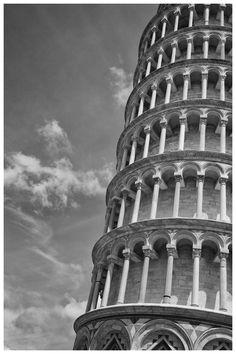 Pisa  http://www.turismo.intoscana.it/