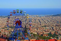 20 things to do in Barcelona. Barcelona is considered to be one of the best cities in Europe. These are some of the essential things to do in Barcelona. Top Travel Destinations, Best Places To Travel, Cool Places To Visit, Barcelona Vacation, Barcelona Travel, Tourist Spots, Vacation Spots, Tourist Places, Wonderful Places