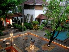 Google Image Result for http://1.bp.blogspot.com/_VFRIWUaKV1o/SdIfPkTqt7I/AAAAAAAAAZ4/GjW8Lu2Usnk/s400/the-courtyard-at-dusk.jpg