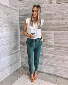 """a4d5128f9c2 Taylor Brown The Styled Press on Instagram  """"I m partnering with  loft to  share some spring-inspired work wear on the blog… and it s all 40% off  today!"""