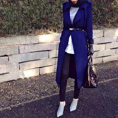 Versatile Hijabi Fashion - Tied Coat w/Boots and Gloves Hajib Fashion, Street Hijab Fashion, Modest Fashion, Fashion Outfits, Fashion Ideas, Winter Fashion, Work Fashion, Fashion 2020, Turkish Fashion