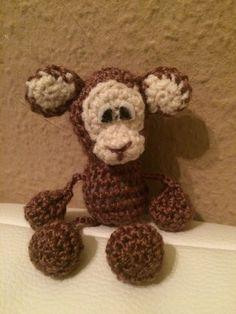 Kostenlose Häkelanleitung - Kleiner Affe - Schlüsselanhänger -Taschenbaumler