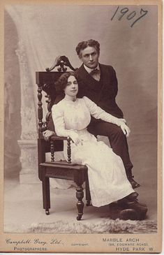 Cabinet Card featuring Harry & Bess Houdini c.1907