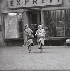 Auf dem Alexanderplatz, Berlin 1958  | © Thomas Billhardt/Camera Work