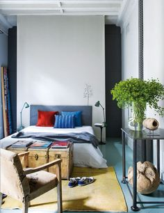 Mix and Chic: Home tour- A colorful and eclectic Madrid home!