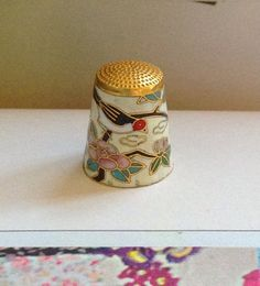 Lovely little enamelled Cloisonné thimble in very good vintage condition. Inside is a brilliant royal blue. Happy to do international shipping.