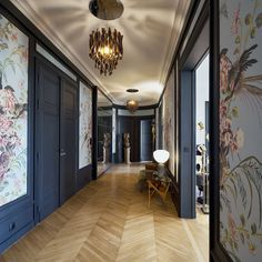 Gorgeous install of Wall&Deco wallpaper in a Paris apartment. Home Design, Modern Interior Design, Interior Design Living Room, Interior Decorating, Design Art, Interiores Art Deco, Interiores Design, Parisian Apartment, Paris Apartments